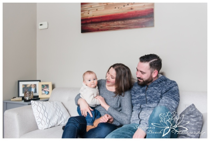Ottawa-Family-Photographer-Stephanie-Beach-Photography-indoor-session-baby-guitar-music