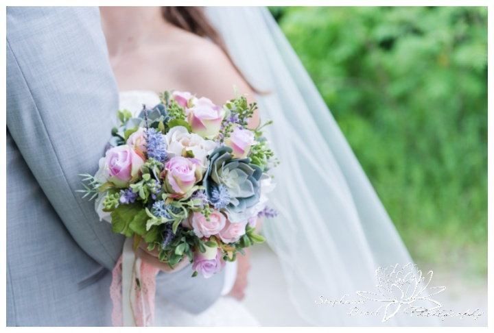 Gatineau-Golf-Club-Wedding-Stephanie-Beach-Photography-bouquet-bride-groom