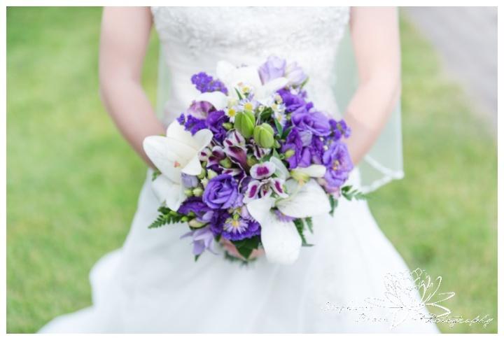 Rideau-View-Golf-Course-Wedding-Stephanie-Beach-Photography-bride-bouquet