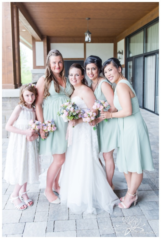 Gatineau-Golf-Club-Wedding-Stephanie-Beach-Photography-bouquet-bridesmaids