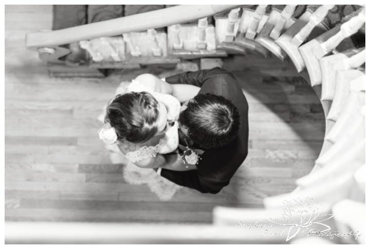 Strathmere-Inn-DIY-Wedding-Stephanie-Beach-Photography-bride-groom-portrait-staircase