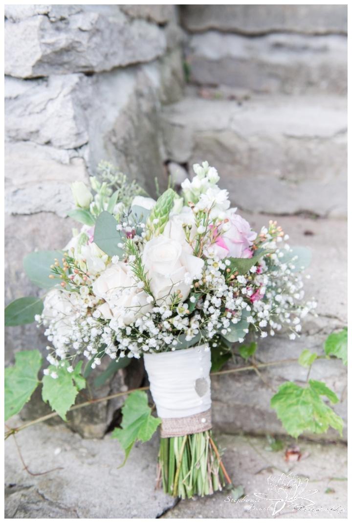 Strathmere-Lodge-Wedding-Stephanie-Beach-Photography-bouquet-stone-blossom