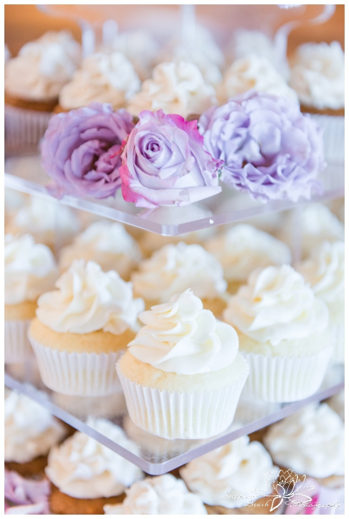 Strathmere-Lodge-Wedding-Stephanie-Beach-Photography-cupcake-sweet-clementines