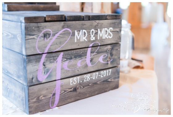 Strathmere-Lodge-Wedding-Stephanie-Beach-Photography-decor