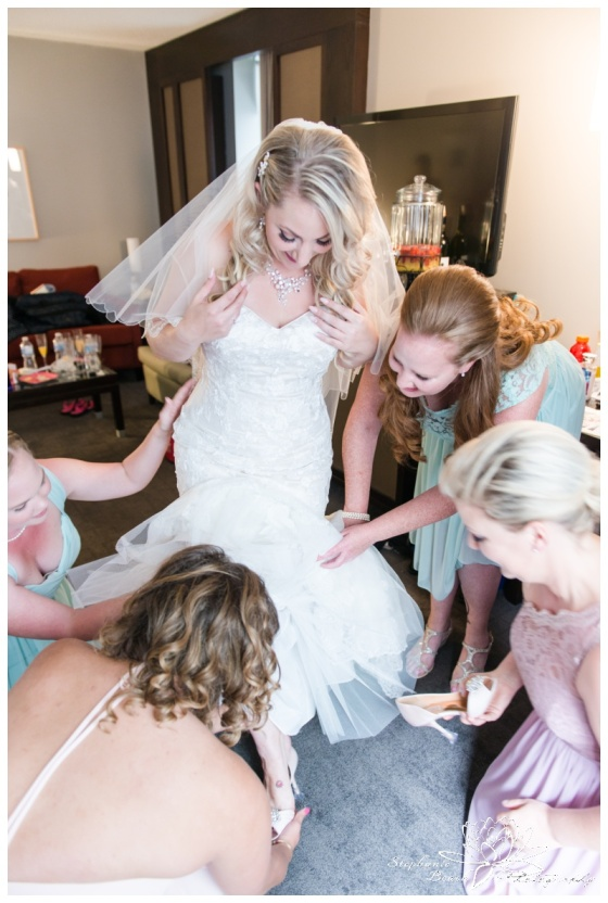 Ottawa-Lago-Wedding-Stephanie-Beach-Photography-bride-bridesmaids-prep