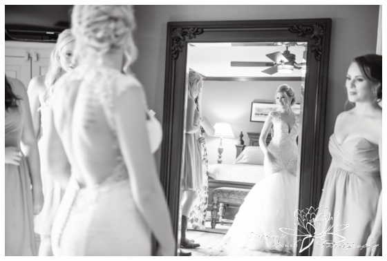 Stanleys-Olde-Maple-Lane-Farm-Wedding-Stephanie-Beach-Photography-bride-prep-mirror