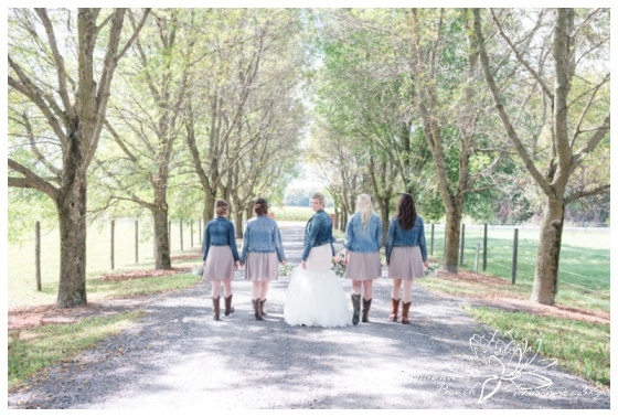 Stanleys-Olde-Maple-Lane-Farm-Wedding-Stephanie-Beach-Photography-bride-bridesmaids-jean-jacket