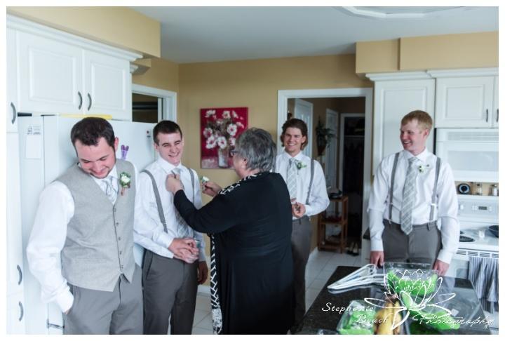 Stanleys-Olde-Maple-Lane-Farm-Wedding-Stephanie-Beach-Photography-groom-groomsmen-prep