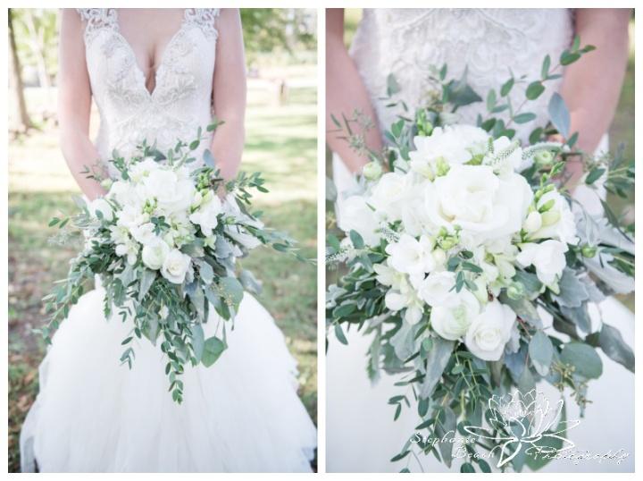 Stanleys-Olde-Maple-Lane-Farm-Wedding-Stephanie-Beach-Photography-bride-boquuet