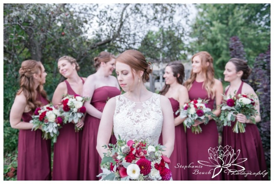 Strathmere-Lodge-Wedding-Stephanie-Beach-Photography-bride-bridesmaids-portrait