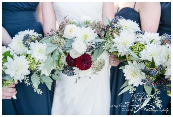 Ottawa-Fall-Wedding-Stephanie-Beach-Photography-bridesmaids-portrait-bouquet-rebel-petal
