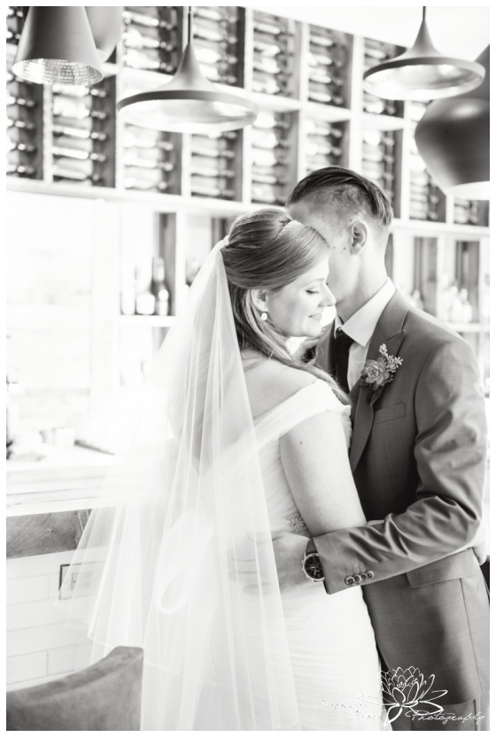 Ottawa-Fall-Wedding-Stephanie-Beach-Photography-bride-groom-novotel-hotel-bar-restaurant