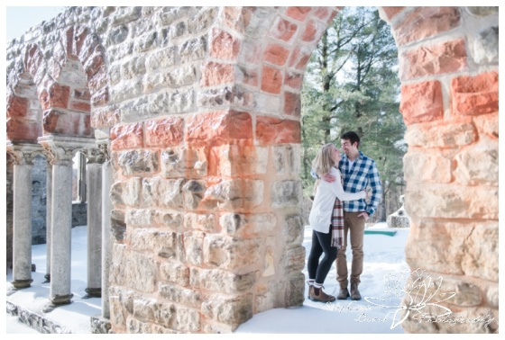 Gatineau-Park-Winter-Engagement-Session-Stephanie-Beach-Photography