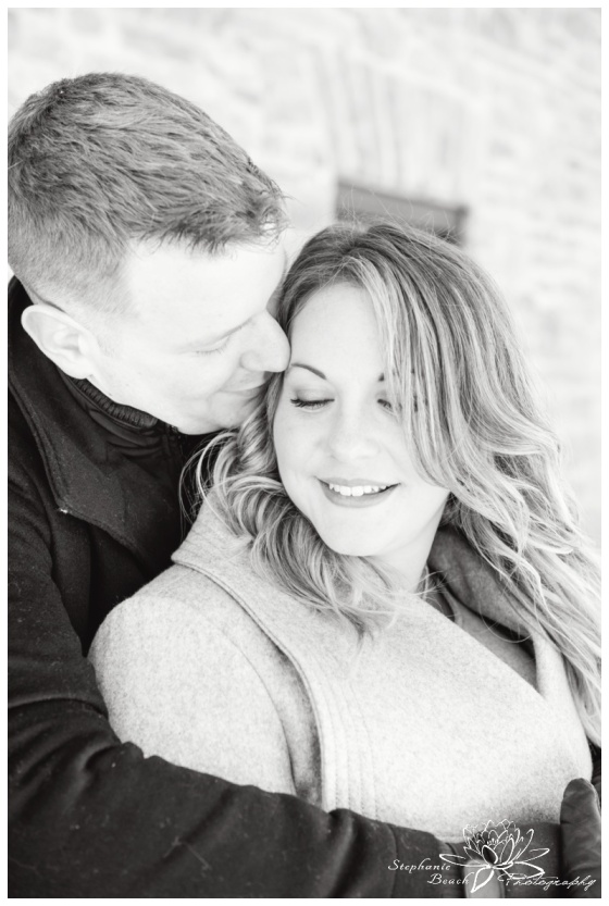 Merrickville-Winter-Engagement-Session-Stephanie-Beach-Photography-Christmas-portrait