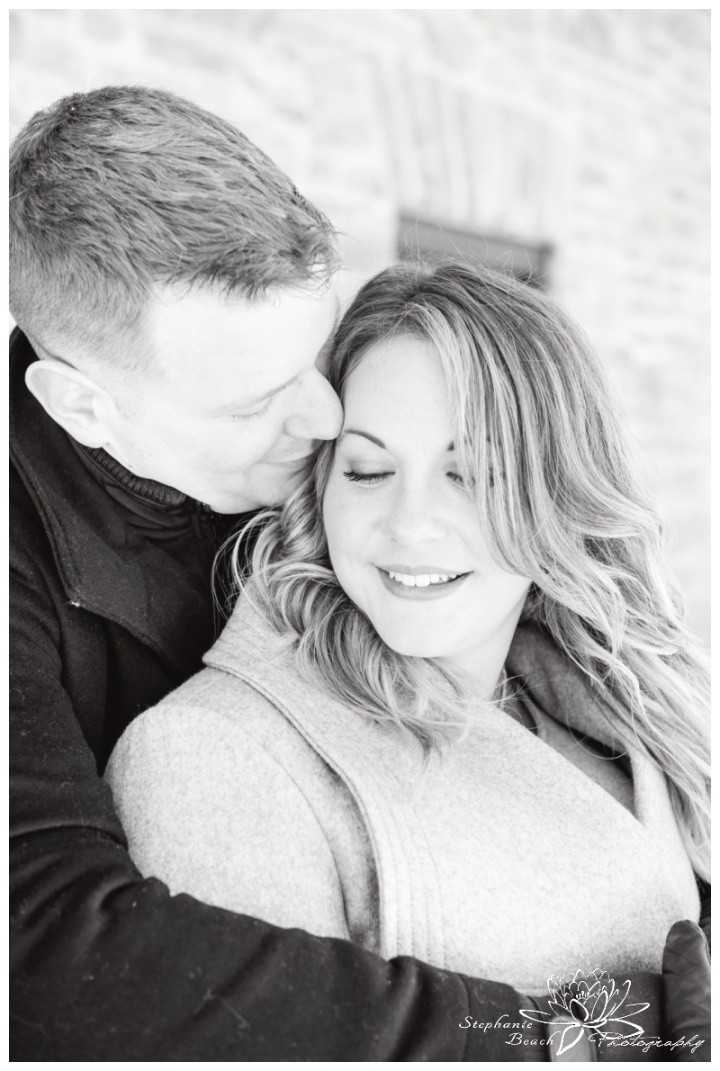 Merrickville-Winter-Engagement-Session-Stephanie-Beach-Photography-Christmas-portrait