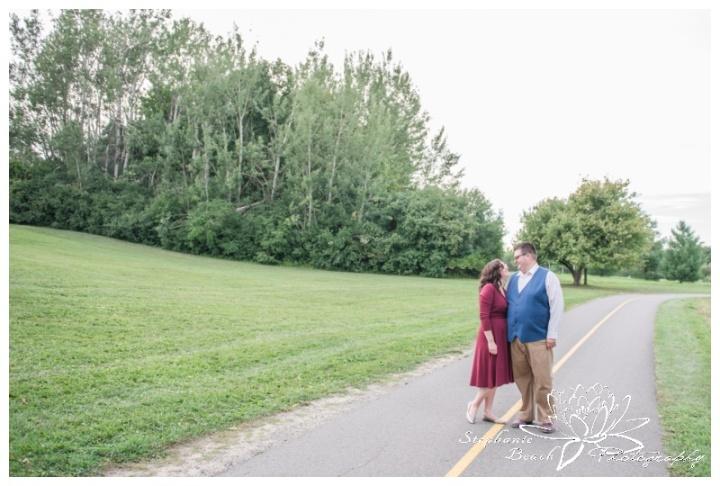 Hogs-Back-Park-Engagement-Session-Stephanie-Beach-Photography