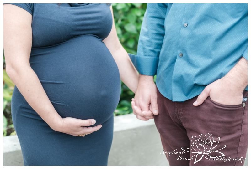 Ornamental-Gardens-Greenhouses-Maternity-Session-Stephanie-Beach-Photography