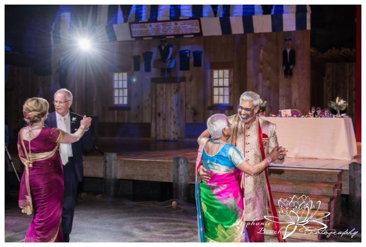 Museum-of-History-Hindu-Wedding-Stephanie-Beach-Photography