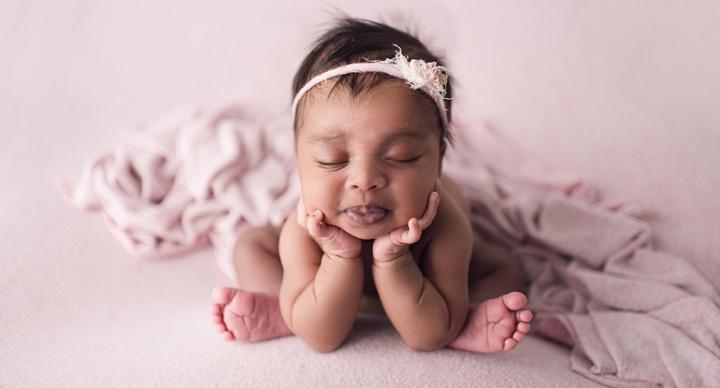 Ottawa Studio Newborn Photography:Leela