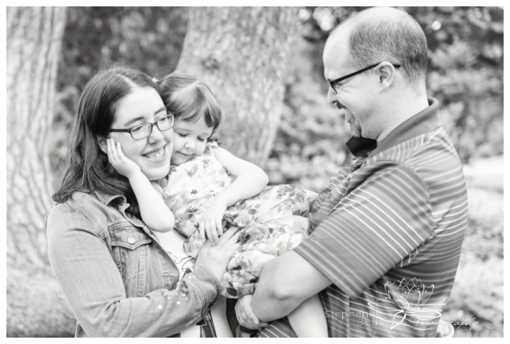 Ottawa-Ornamental-Gardens-Lifestyle-Family-Session-Stephanie-Beach-Photography