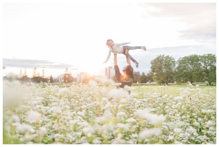 Lifestyle-Family-Maternity-Photography-Ornamental-Gardens-Stephanie-Beach-Photography